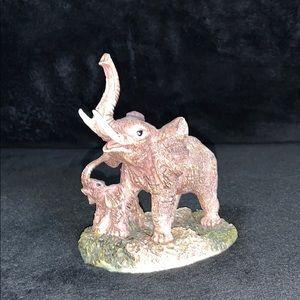 Momma and Baby Elephants Figurine